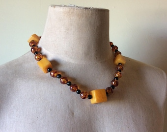 Vintage 1960's geometric cube necklace faux Amber
