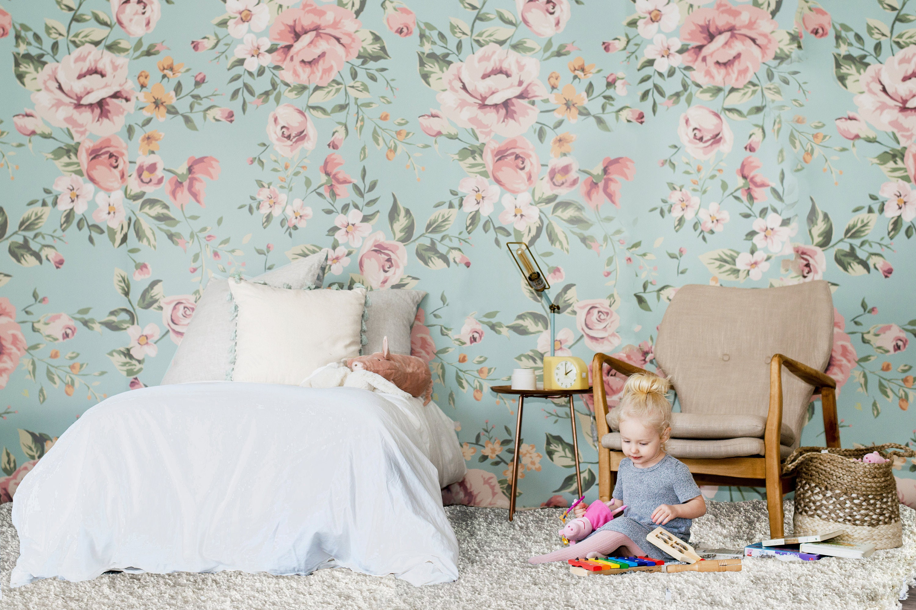Cutesie Floral Mural Flower Pattern Wallpaper