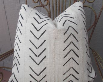 Authentic  African Mud cloth pillow cover  white with black  arrows-chevrons