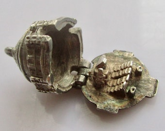 Vintage Silver Albert Hall London and Pianist Charm Opens