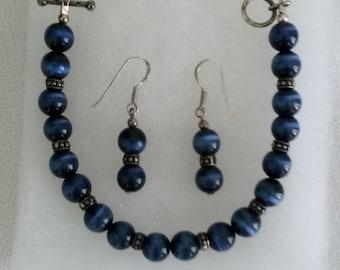 ON SALE Cobalt Blue Cats Eye Bracelet and Earrings Set // Cats Eye Bracelet // Cats Eye Demi Parure Jewelry