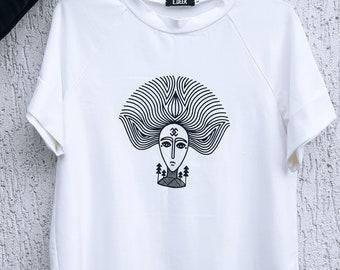 Baltic goddess Witch T-shirt