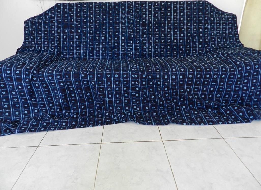 couvre lit et jet de canap n ing 01 bleu indigo en tissu. Black Bedroom Furniture Sets. Home Design Ideas