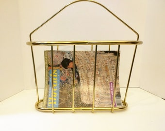 Vintage Brass Magazine Rack with Handle, Magazine Holder80s, Jungalow Decor