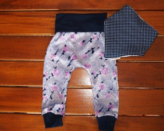 Baby Girl Pants, Girl Pants, Baby girls leggins, Vintage Inspired Baggy Leggins with Contrast bib. size 6 and 12 months. Simple Devine