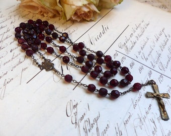 Antique french garnet glass rosary. Garnet rosary. Jeanne d'Arc living. French Nordic decor. Madonna rosary. Christian home