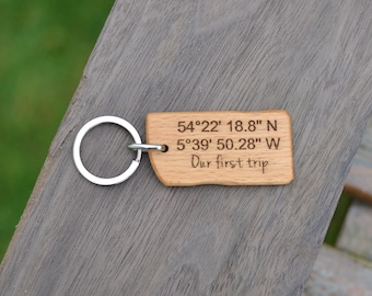 Latitude Longitude Mariner key chain / GPS key chain - Custom Coordinates Laser Engraved - Beech wood - Perfect gift