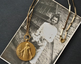 1920s Medal Pendant Necklace