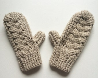 Neutral cable crochet mittens