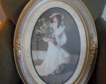 Large Vintage HOME INTERIOR Gift Victorian Lady In White Dress Gown Ornate  Gold Silver Oval Frame