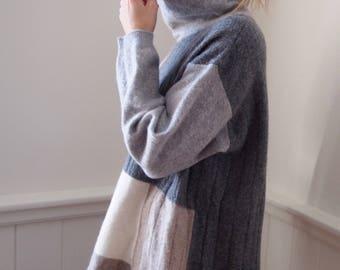 vintage 80s pastel OVERSIZED LAMBSWOOL TURTLENECK sweater