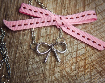Bow Necklace ~1 pieces #100422