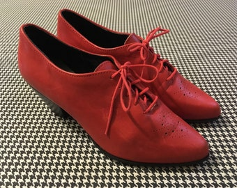 1990's, stacked heel, spectator, oxfords, in red leather, by Zodiac, Women's size 7M