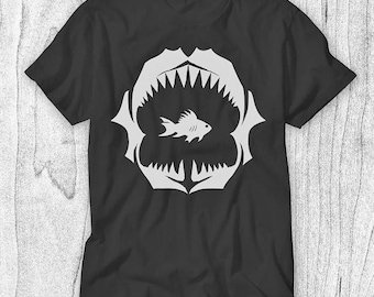Shark Jaws T-shirt for Men - Gold Fish Shirt - Marine Life T-shirt - Fish Tank Tee - Wildlife Shirt for Him - Deep Sea T-shirt - Scary Tee