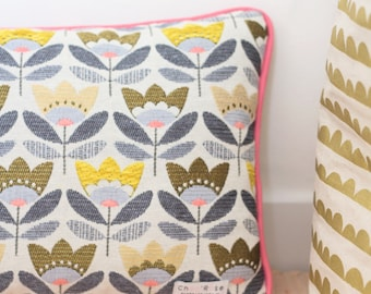 Decorative pillows with Vintage flowers baby/child bedroom