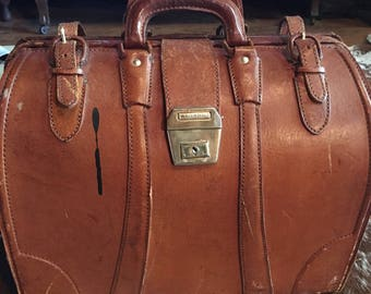 Leather Doctor Bag Briefcase perfect Weekender Brown with Key