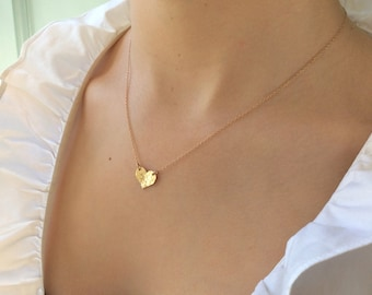 Mothers Day Gift / Small Heart Necklace  / Delicate Gold Heart / Gold heart / Dainty Gold Necklace / Best Friend Gifts /  Gold Necklace