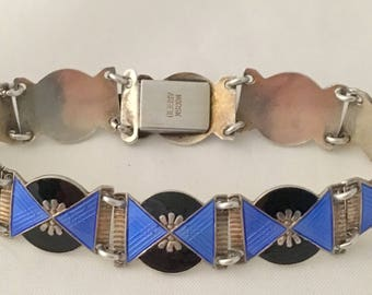 Very beautiful bracelet in silver and enamel from Norway stamped Norwegian Work and Three Crowns S.