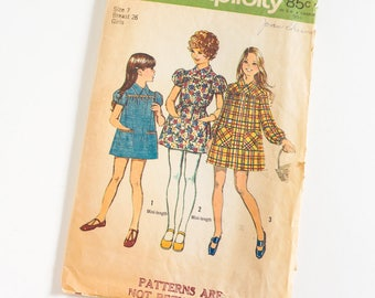 """Vintage 1970s Girls Size 7 Smock Dress in Two Lengths Simplicity Sewing Pattern 5108 Complete / b26 w23"""" / Mini Skirt Length"""