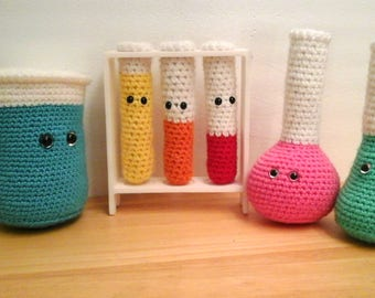 Crocheted Chemistry Set, Amigurumi Chemistry Set, Crochet Beaker, Crochet Test Tubes, Crochet Erlenmeyer Flask, Crochet STEM Toys