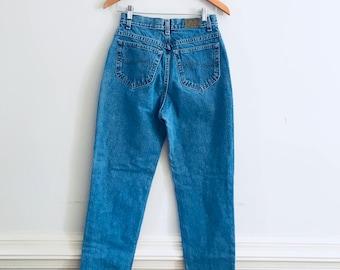 Vintage 1980's Lee jeans, Lee mom jeans, high rise Lee jeans, high rise 80's jeans