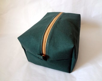 Men's Travel Bag in Forest Green- toiletry, dopp kit, shaving kit