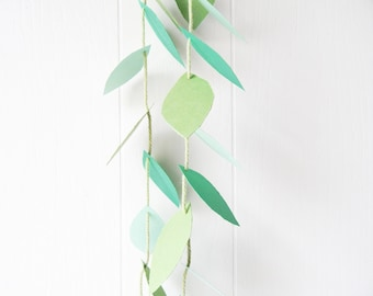 Vine Garland / Earth Day Decor / Ivy Garland / Vine Photo Prop / Party Decoration