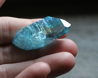Aqua Aura Quartz Crystal 11.3 grams  #82067
