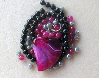 Pink Black, Agate Pendant, Heart Pendant, Black Onyx, Glass Beads, Jade Beads, Bead Kit, DIY Jewelry Kit, Necklace Kit, Gemstone Beads