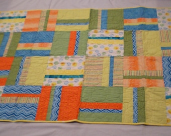 Yellow Ducky and Bubbles Baby Quilt