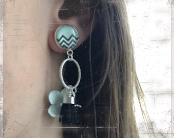 Cute cabochon and charm earring