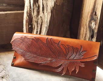 Wild and Free clutch