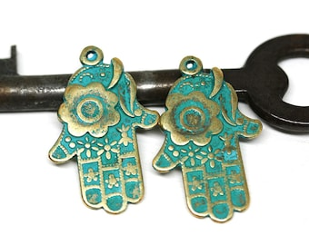 2pc Brass Hamsa Hand Boho charms, Green Patina Healing hand metal pendant bead, Greek metal casting - F537