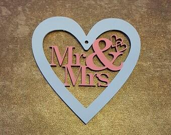 Mr & Mrs Wooden Handing Heart Keepsake