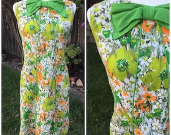 Vintage 60s mod green flower shift dress