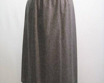 Vintage Grey Wool Skirt / VTG Evan Picone Gray Straight Skirt / Size 14 Gathered Waist Skirt / ILGWU 70s Lined Skirt