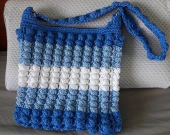 Blue and white, spring shoulder