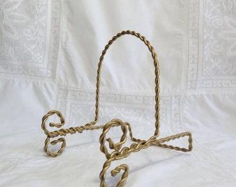 Vintage Gold Metal Twist, Twisted Rope Plate Rack in Hollywood Regency Style