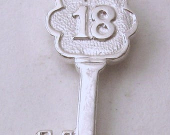 Genuine SOLID 925 STERLING SILVER 3D 18 th Birthday Key charm/pendant