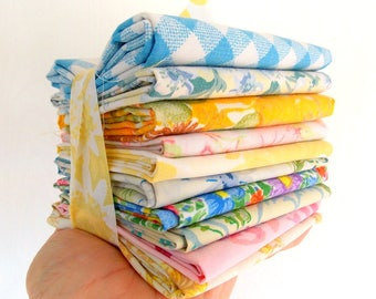 Vintage Sheet Bundles / Fat Quarters / Assorted / Pack of 5 / Quilting Fabrics