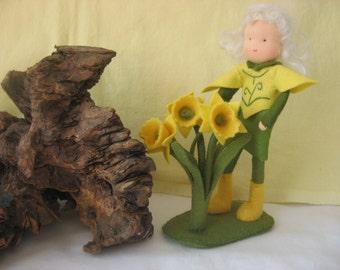 Flower child -  Waldorf inspired - Felt daffodil - Wool felt  - Nature table  - Antroposofisch