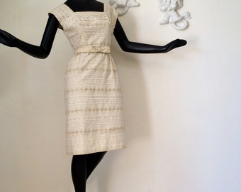Vintage Rockabilly Dress 1950s Wiggle Dress Solid Eyelet Lace 100% Cotton Cream White 50s 60s Mad Men Bombshell Dress Pencil Skirt Small