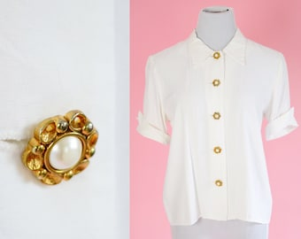 Vintage 50s Blouse // White, Gold and Pearl Buttons, 1950s, Women Size Medium