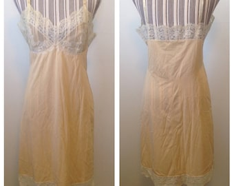 Vintage Vassarette Hollywood Cream Slip with Lace