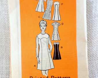 Vintage Pattern Mail Order 4531 1970s Dress Mini Round neckline Yoke Mod V short long sleeves sleeveless Bust 38