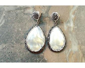 Semiprecious mother of pearl earrings