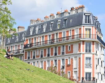 The beautiful buildings of Montmartre