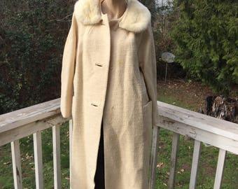 50s Vintage Parkmoor Cream Wool Textured Coat Fur Collar Hollywood Regency Waldorf Cottage Chic 60s Jackie O Modern Coat