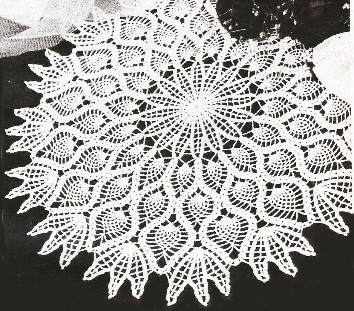 vintage pineapple doily pattern, detailed written pattern, detailed ...
