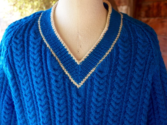 Hand Knit V Neck Sweater Thick Cables Azure Blue 3aR0TL